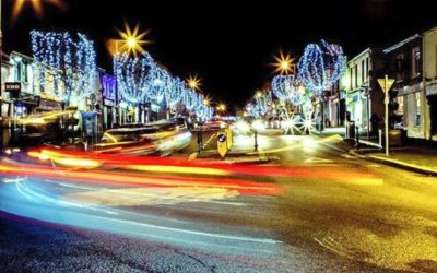 Święty Mikołaj i pokaz fajerwerków – włączenie światełek świątecznych w Gorey!